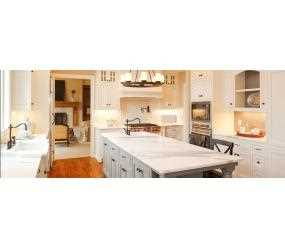 Traditional Farmhouse Kitchen with Butler and Inset Feature Sinks